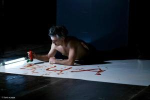 andrea-cosentino-attore-contemporaneo-arte-contemporanea-teatro-abramovic-marina